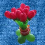 11 тюльпанов на подставке 440 руб